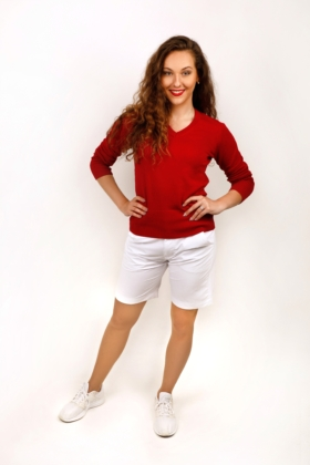 Golfová kombinace - bílé šortky s červeným svetrem